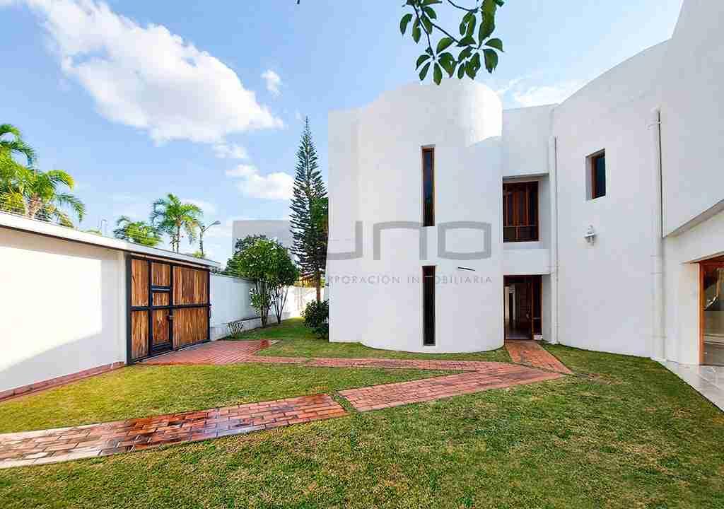 9-casa-alquiler-zona-Oeste-Barrio-Las-Palmas-uno-alquila-uno-corporacion-inmobiliaria-santa-cruz-bolivia