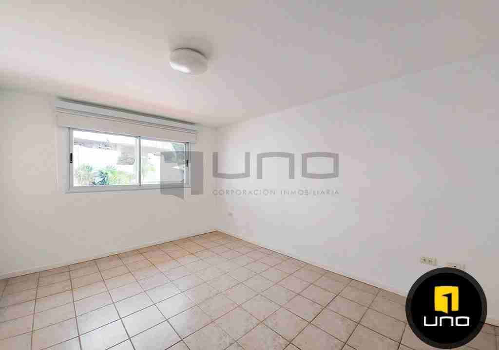 14-casa-alquiler-zona-Oeste-Barrio-Las-Palmas-uno-alquila-uno-corporacion-inmobiliaria-santa-cruz-bolivia