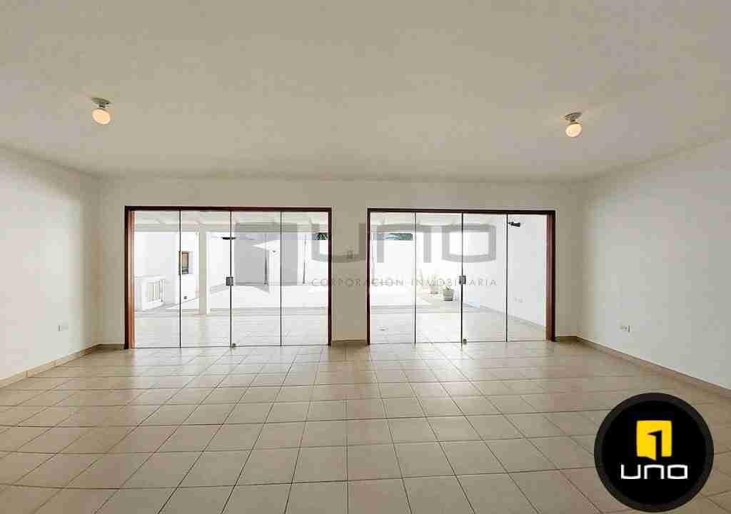2-casa-alquiler-zona-Oeste-Barrio-Las-Palmas-uno-alquila-uno-corporacion-inmobiliaria-santa-cruz-bolivia