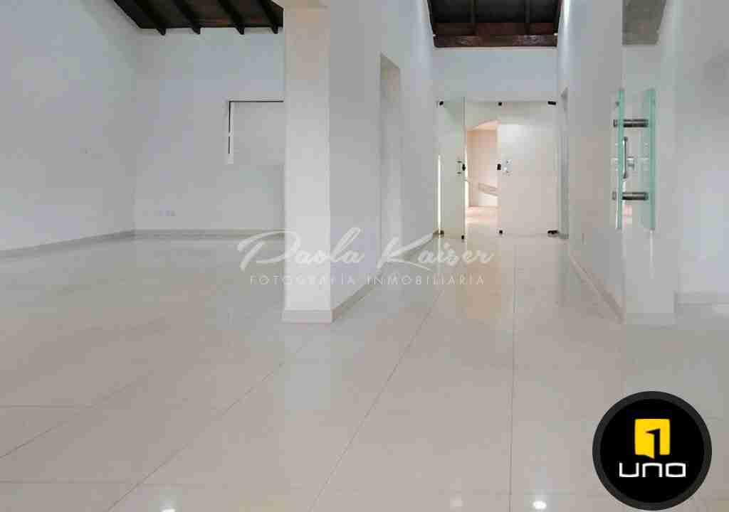 2-casa-en-venta-san-ignacio-de-velasco-frente-a-la-plaza-santa-cruz-bolivia-paola-kaiser