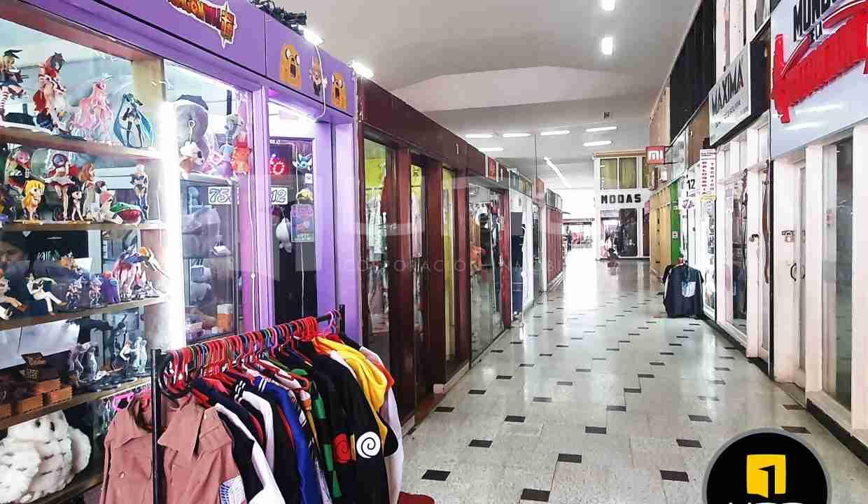 4-local-comercial-en-venta-en-centrico-centro-comercial-av-cañoto-santa-cruz-bolivia