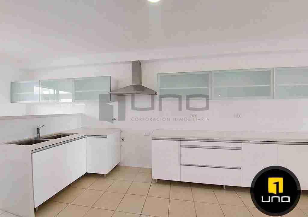 5-casa-alquiler-zona-Oeste-Barrio-Las-Palmas-uno-alquila-uno-corporacion-inmobiliaria-santa-cruz-bolivia