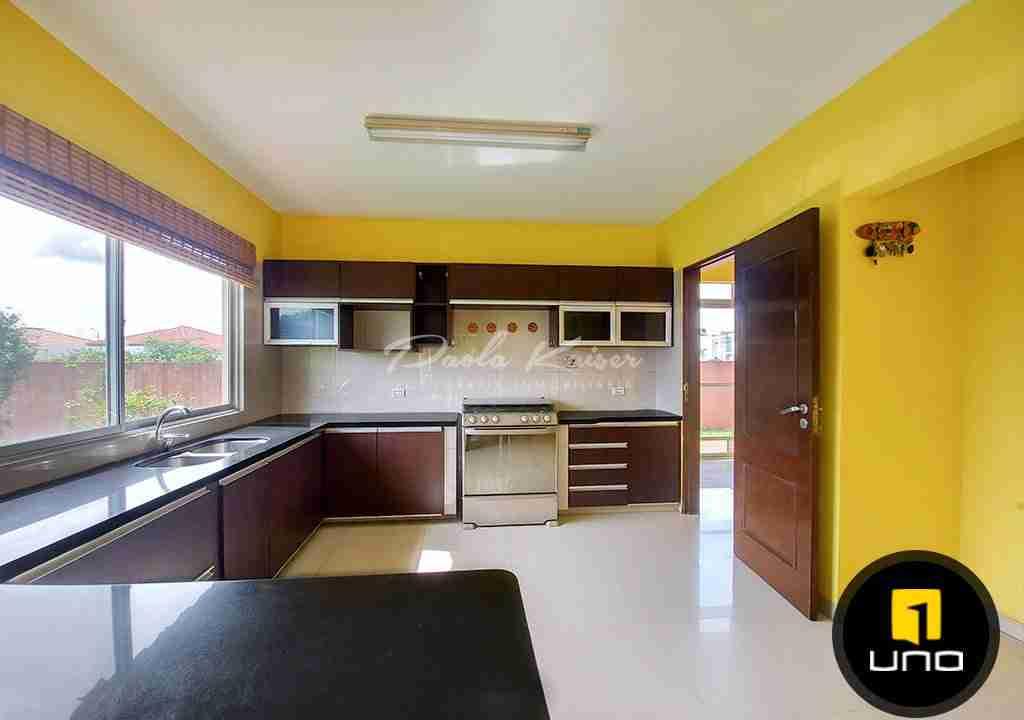 5-casa-en-venta-condominio-zona-urubo-santa-cruz-bolivia-paola-kaiser-bienes-raices-inmobiliaria
