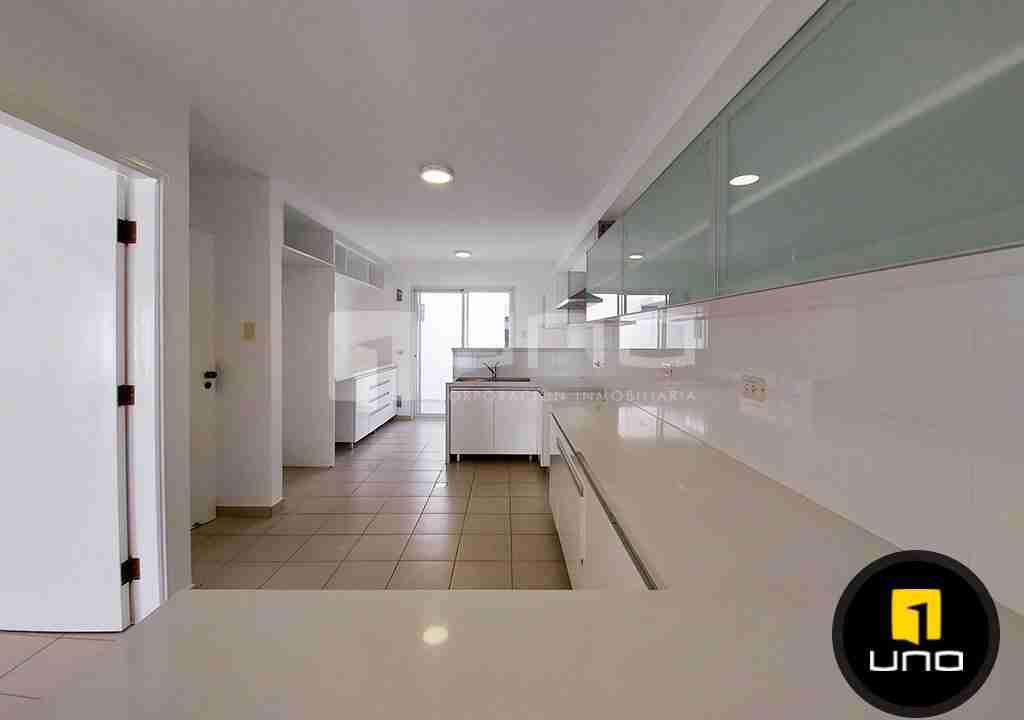 6-casa-alquiler-zona-Oeste-Barrio-Las-Palmas-uno-alquila-uno-corporacion-inmobiliaria-santa-cruz-bolivia