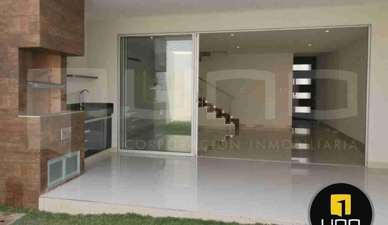 Casa de 2 pisos en Venta, Zona Norte, Avenida Beni, 8 Anillo, Santa Cruz, Bolivia (15)