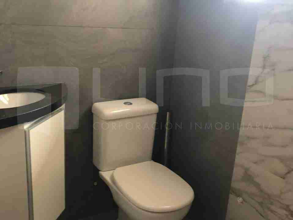 Departamento en Anticretico de 2 Dormitorios, Zona Norte, entre avenida beni y alemana, en Condominio Barcelona 3 (7)