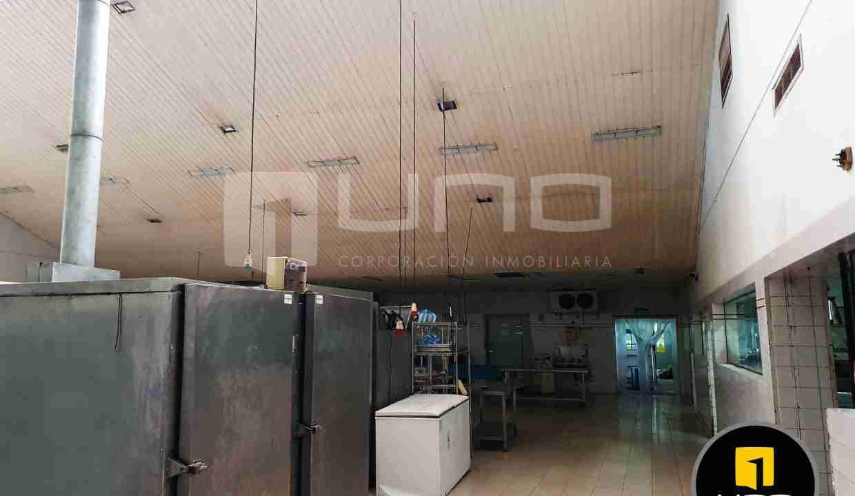 11-en-venta-o-alquiler-amplio-inmueble-con-oficinas-galpones-zona-norte-santa-cruz-bolivia
