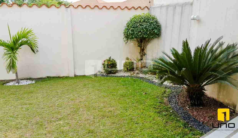 13-casa-en-venta-zona-norte-en-condominio-santa-cruz-bolivia