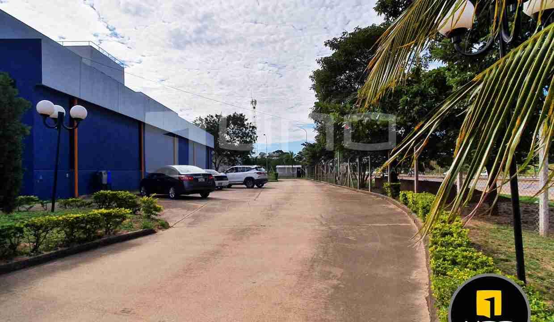 19-en-venta-o-alquiler-amplio-inmueble-con-oficinas-galpones-zona-norte-santa-cruz-bolivia