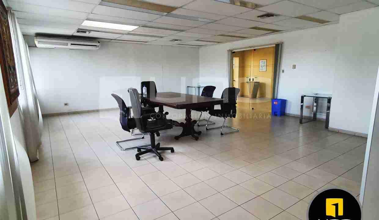 3-en-venta-o-alquiler-amplio-inmueble-con-oficinas-galpones-zona-norte-santa-cruz-bolivia