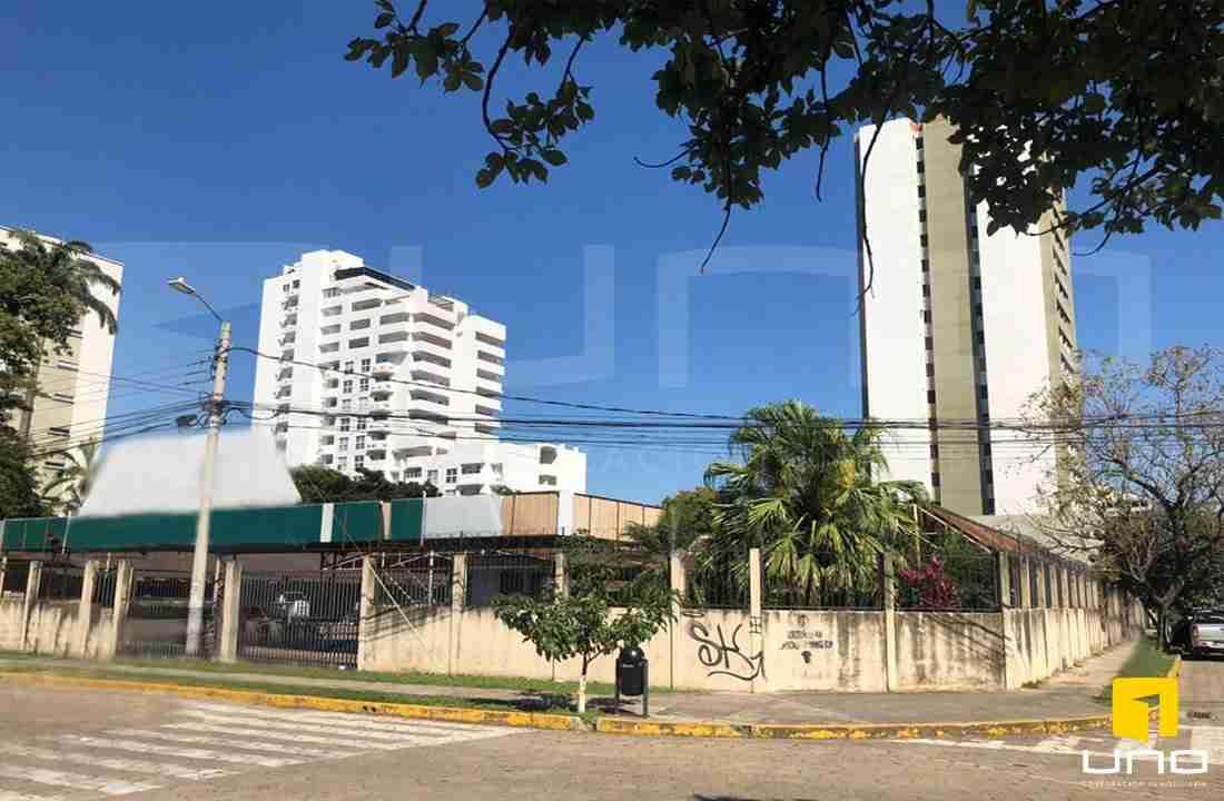 Venta terreno en equina frente a Torres Cainco, ideal para inversion, Santa Cruz, Bolivia (4)
