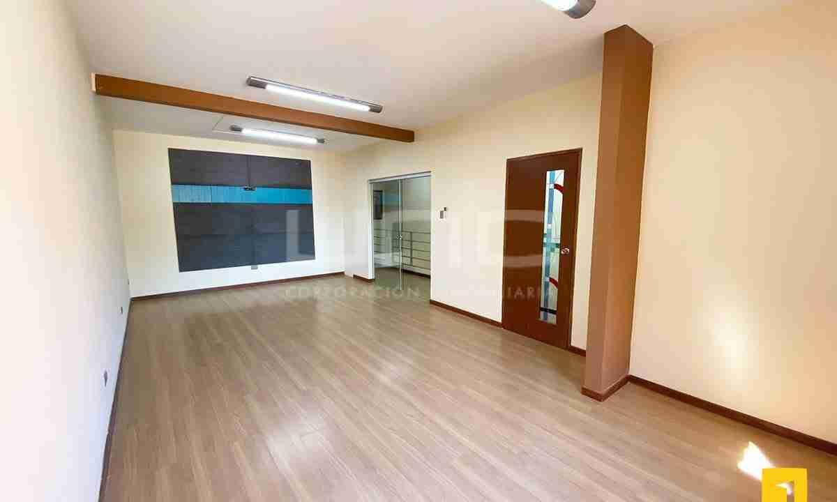 Casa en alquiler para oficina 11