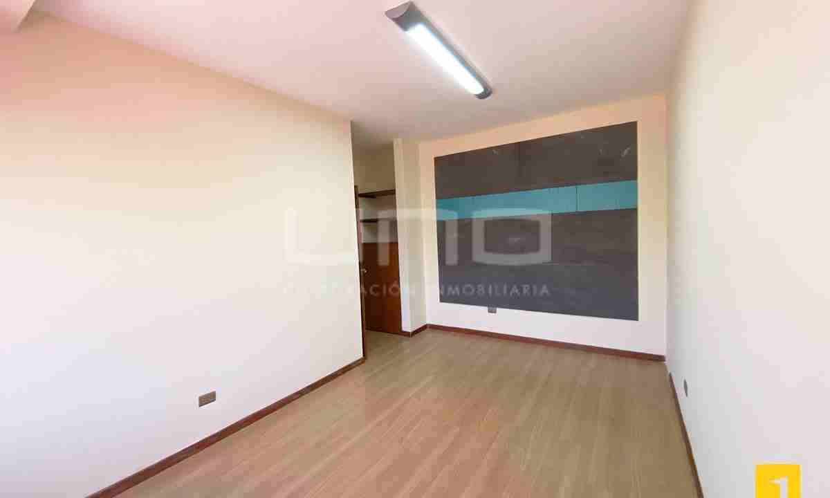 Casa en alquiler para oficina 13