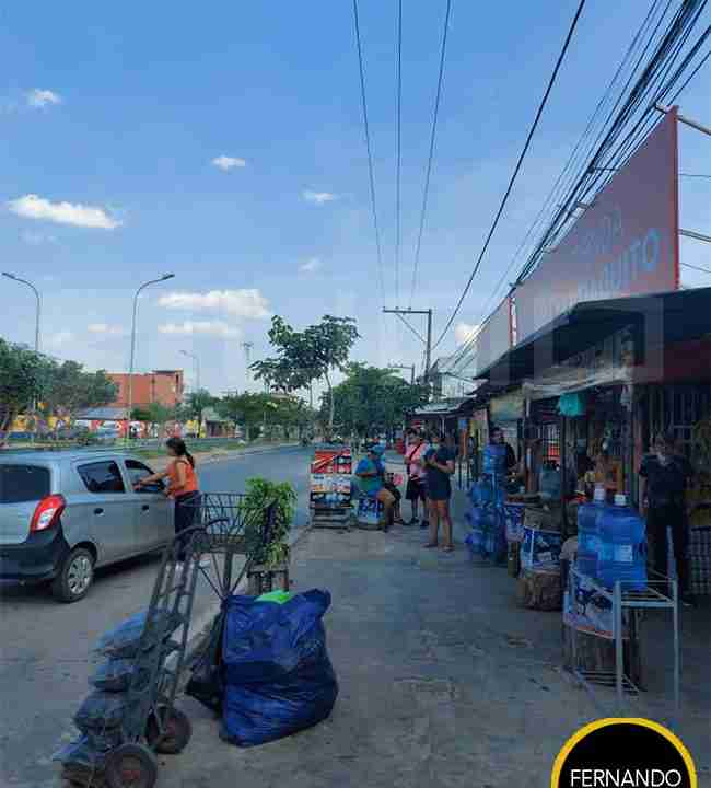 Venta de casa para negocio sobre avenida radial 26, zona norte, Santa Cruz, Bolivia (5)