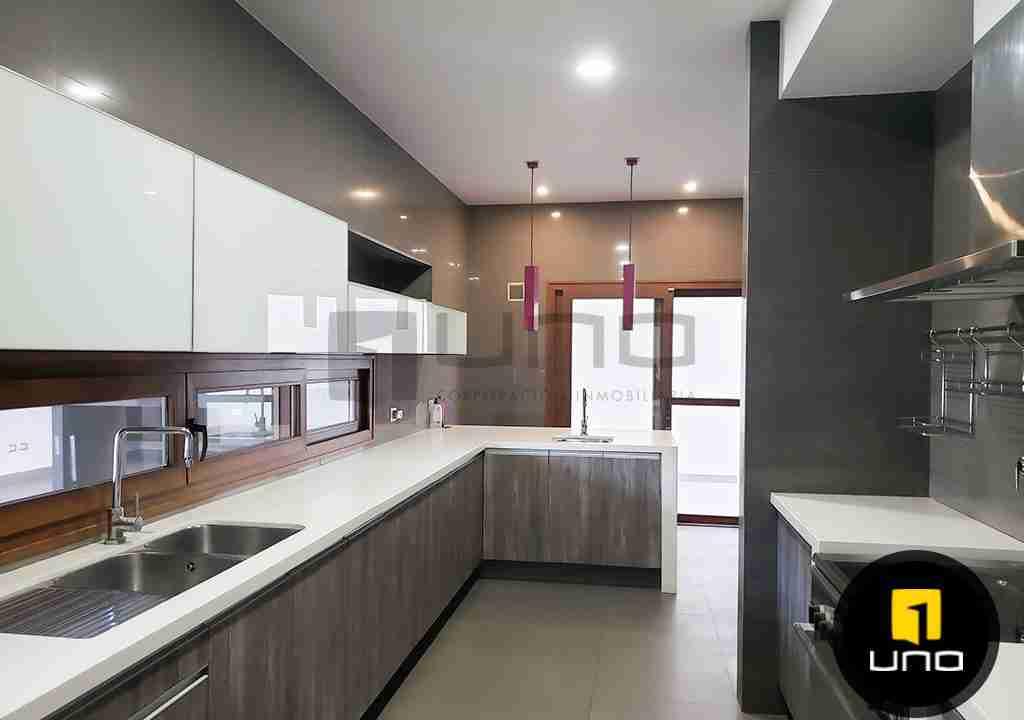 8-casa-en-venta-zona-oeste-barrio-las-palmas-uno-corporacion-inmobiliaria-santa-cruz-bolivia
